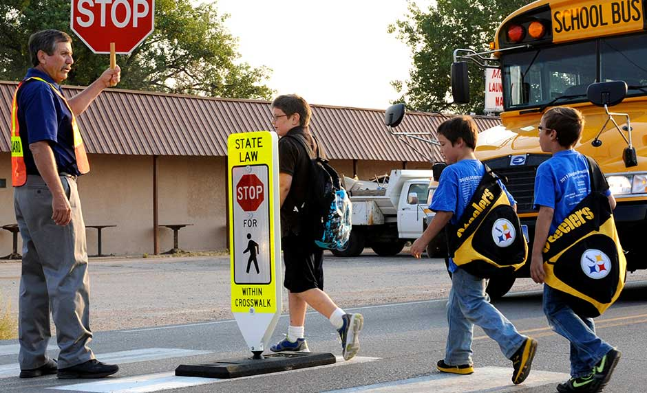 What Parents Should Teach Their Kids About Being a Safe Pedestrian [One Minute Feature]